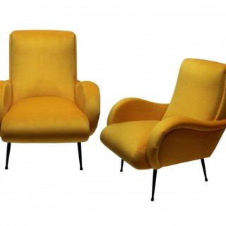 A PAIR OF MID-CENTURY ITALIAN ARMCHAIRS IN YELLOW VELVET