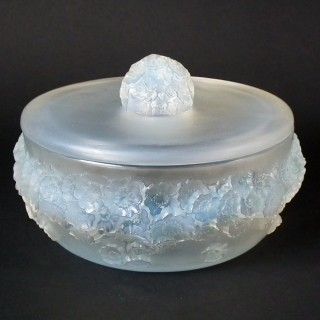 Rene Lalique Opalescent Glass 'Primevères' Box