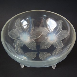Rene Lalique Opalescent Glass 'Lys' Bowl