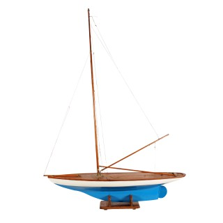 Early 20th Century Pond Yacht