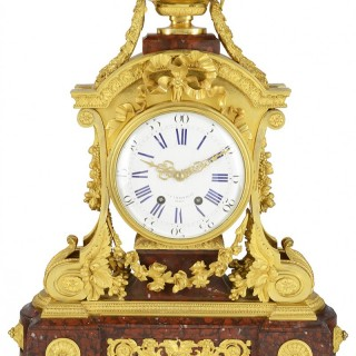 Fine quality 19th Century French gilded mantel clock.