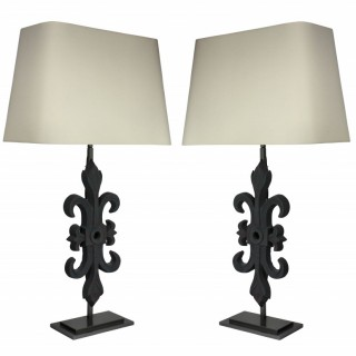A PAIR OF ARCHITECTURAL TABLE LAMPS