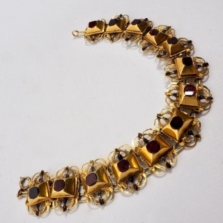 18th Century Georgian Gold Bracelet of Garnets and Black Enamel