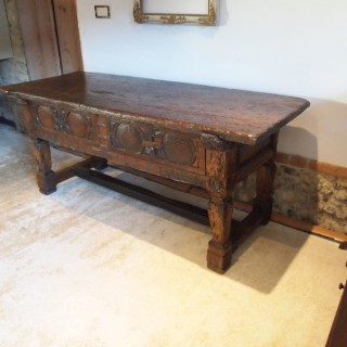 Table Spanish Oak and Chestnut sideboard dresser 17th century c1650
