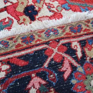 Exceptional antique Heriz carpet