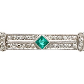 0.48 ct Emerald and 1.29 ct Diamond, Platinum Brooch - Art Deco - Antique Circa 1930