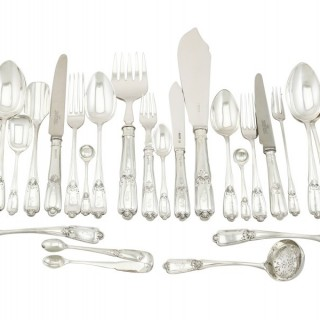 Sterling Silver Canteen of Cutlery for Eight Persons - Antique George V (1918)