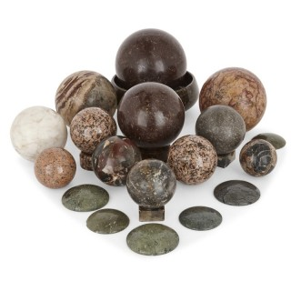 Set of 24 specimen stones of various types and shapes