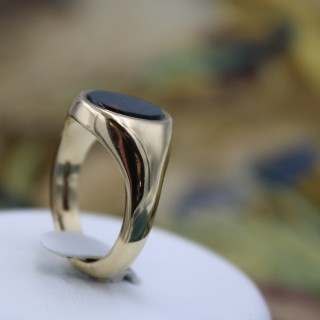 9ct Yellow Gold Bloodstone Signet Ring, English marked 1978