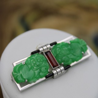 A very fine 18ct White Gold Pekingese Jadeite, Hessonite & Onyx  Art Deco Brooch Circa 1930