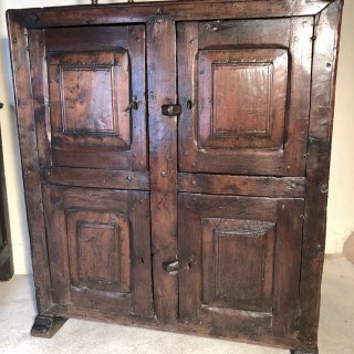 Pyrenees Area Mixed Woods 4door Cupboard C1700