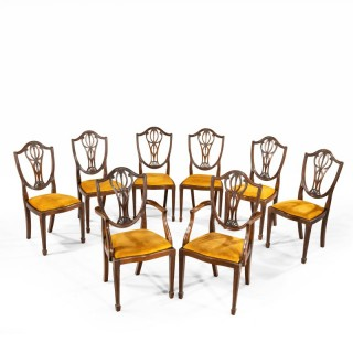 A Set of 8 (6+2) Chairs of Classical Hepplewhite Chairs.