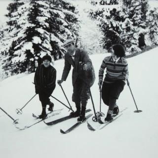 Vintage Style Photography, Framed Alpine Ski Photograph, Bend Zie Knees