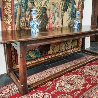 Elizabeth I oak single plank table