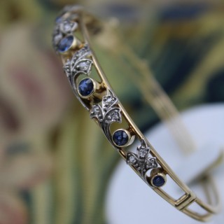 A very fine 15 ct. Yellow Gold (tested) Sapphire & Diamond Bangle Circa 1905