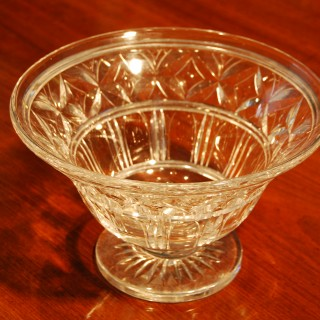 20th century cut glass fruit bowl by Stuart Crystal, Waterford pattern by Ludwig Kny