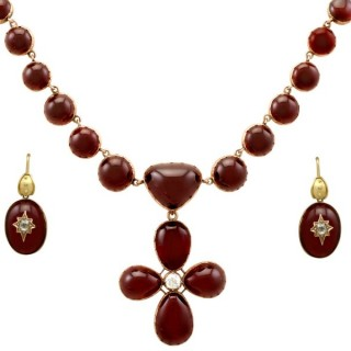 206.60ct Garnet and 1.49ct Diamond, 8ct and 9ct Yellow Gold Jewellery Suite - Antique Circa 1820