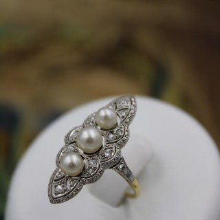 A very fine Natural Pearl & Diamond Plaque Ring set in 18ct Yellow Gold & Platinum, French, Circa 1925.
