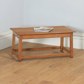 Antique English George V Arts & Crafts Oak Rectangular Coffee / Centre / Occasional / Magazine Table (Circa 1915)