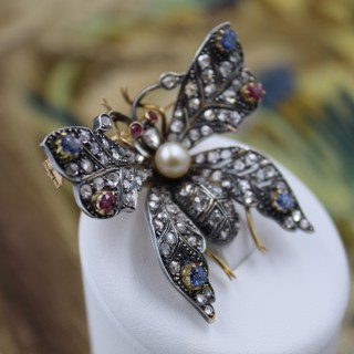 An exceptional Pearl, Ruby, Sapphires & Diamonds Butterfly Brooch in Silver Tipped 18 Carat Yellow Gold, French, Circa 1890
