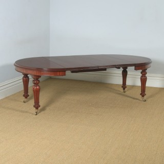 """Antique English Victorian Mahogany Extending Eight Seat Dining Table / 7ft 8"""" Long (Circa 1850)"""