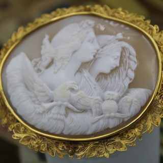 A very fine Shell Cameo and 18ct Yellow Gold (Marked) Cannetille Work Brooch, Circa 1830.