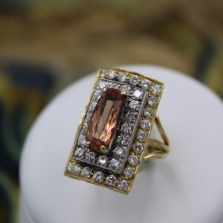 An extraordinary Topaz and Diamond Dress Ring in 18 Ct. Yellow & White Gold (tested). Circa 1960.