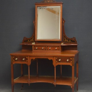 EDWARDIAN MAHOGANY DRESSING TABLE