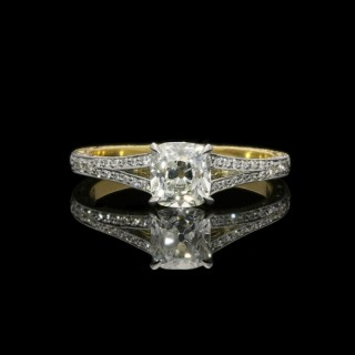 Hancocks 0.95ct Old Mine Brilliant Diamond Ring with Split shoulders in Platinum and Yellow Gold