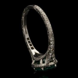 Hancocks 1.13ct Colombian emerald ring