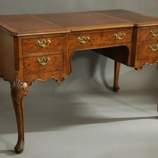 Early 20th century walnut writing desk in the Queen Ann style
