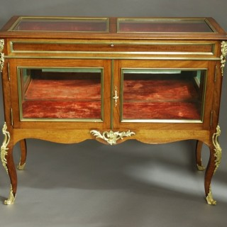 Fine quality late 19th century French display case