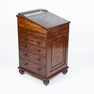 mahogany Davenport