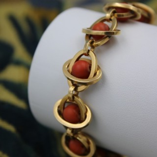A very unusual Coral Bracelet set in 18 Carat Yellow Gold (tested), French, Circa 1945