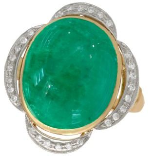 14.5 ct Emerald and 0.28 ct Diamond, 18 ct Yellow Gold Dress Ring - Vintage Circa 1940