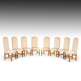 A Simple and Elegant Set of Eight Late 20th Century  Arched Topped Dining Chairs