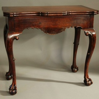 Rare 18thc Irish American black walnut tea table of superb patina & unusual bird inlay