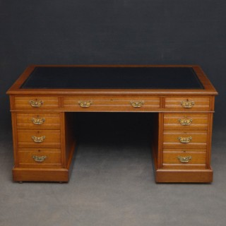 Superb Edwardian Oak Desk