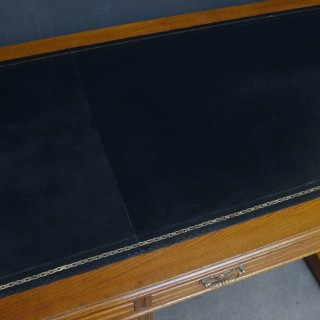 Superb Edwardian Oak Desk