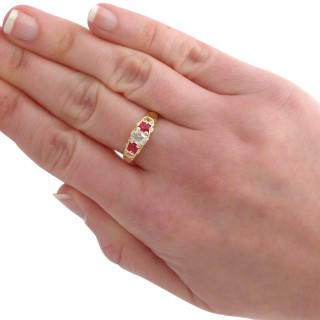 0.45 ct Diamond and 0.52 ct Ruby, 18 ct Yellow Gold Trilogy Ring - Antique Victorian