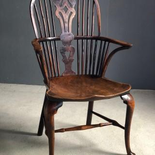 Cabriole leg yew Windsor chair c1780