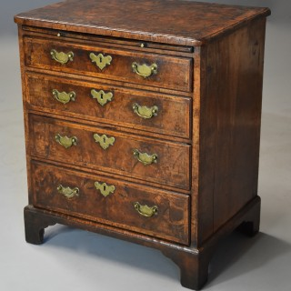 Extremely rare early 18thc walnut chest of drawers in untouched condition, of superb original patina and of small proportions