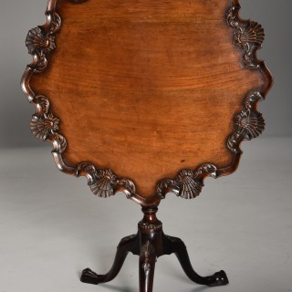 Superb quality late 19th century Chippendale style mahogany piecrust tilt top tea table