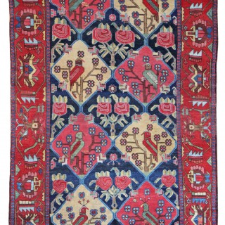 Antique Baktiari carpet with beautiful Parrots!