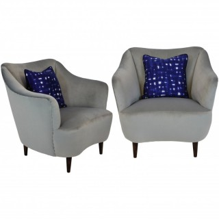 A PAIR OF MID CENTURY BEDROOM CHAIRS IN SILVER GREY VELVET