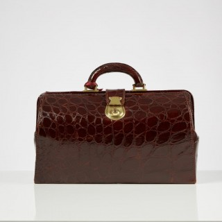 Mid-20th Century Vintage Crocodile Gladstone Bag English Circa 1950
