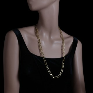 An 18ct gold long chain necklace with elongated curb-style links, c.1970's