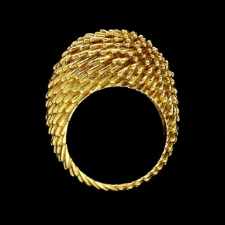 A stylish 18ct yellow gold bombe style dress ring with textured gold wire finish. c.1963