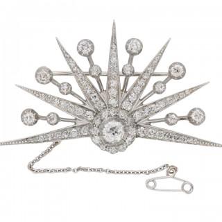 Sunset diamond brooch, circa 1840.