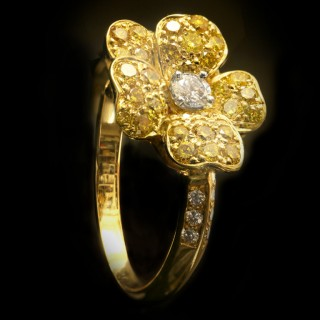 Fancy colour diamond flower ring by Oscar Heyman Bros, American, circa 1980.